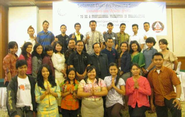 Pelatihan Dan Audisi Presenter To Be A Proffesional Presenter In Broadcasting